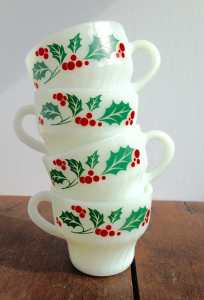 This holly set is made by a brand called Termocrisa that is as durable as pyrex.